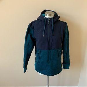 The north face women's turquoise half zip fleece